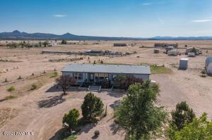 24300 N Big Springs Ranch Road, Paulden, AZ 86334
