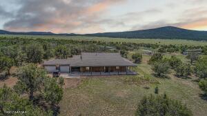 33425 W Cowboy Clint Way, Seligman, AZ 86337