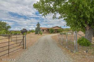 3700 W Chipmunk Road, Prescott, AZ 86305