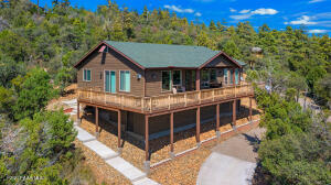 Spectacular home on Spruce Mountain!