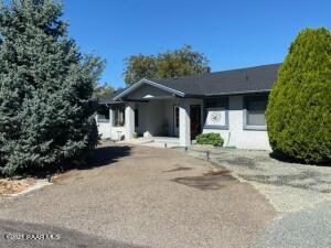 549 N Wranglers Way, Dewey-Humboldt, AZ 86327
