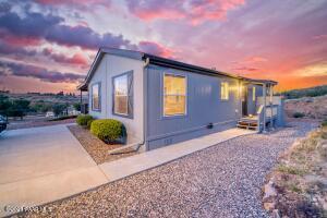 10755 E Janet Way, Dewey-Humboldt, AZ 86327