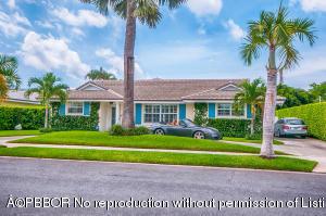 136 Worth Court S, West Palm Beach, FL 33405