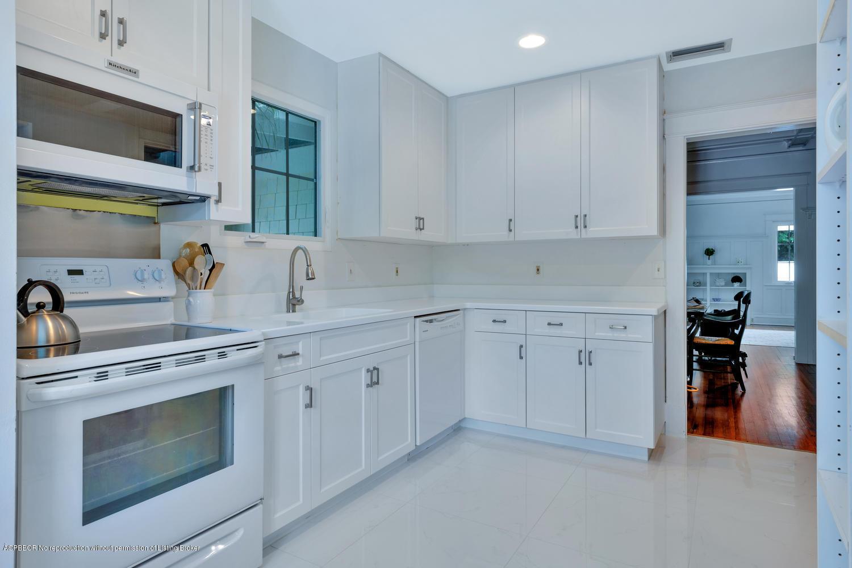 141 Chilean Avenue Palm Beach, FL 33480