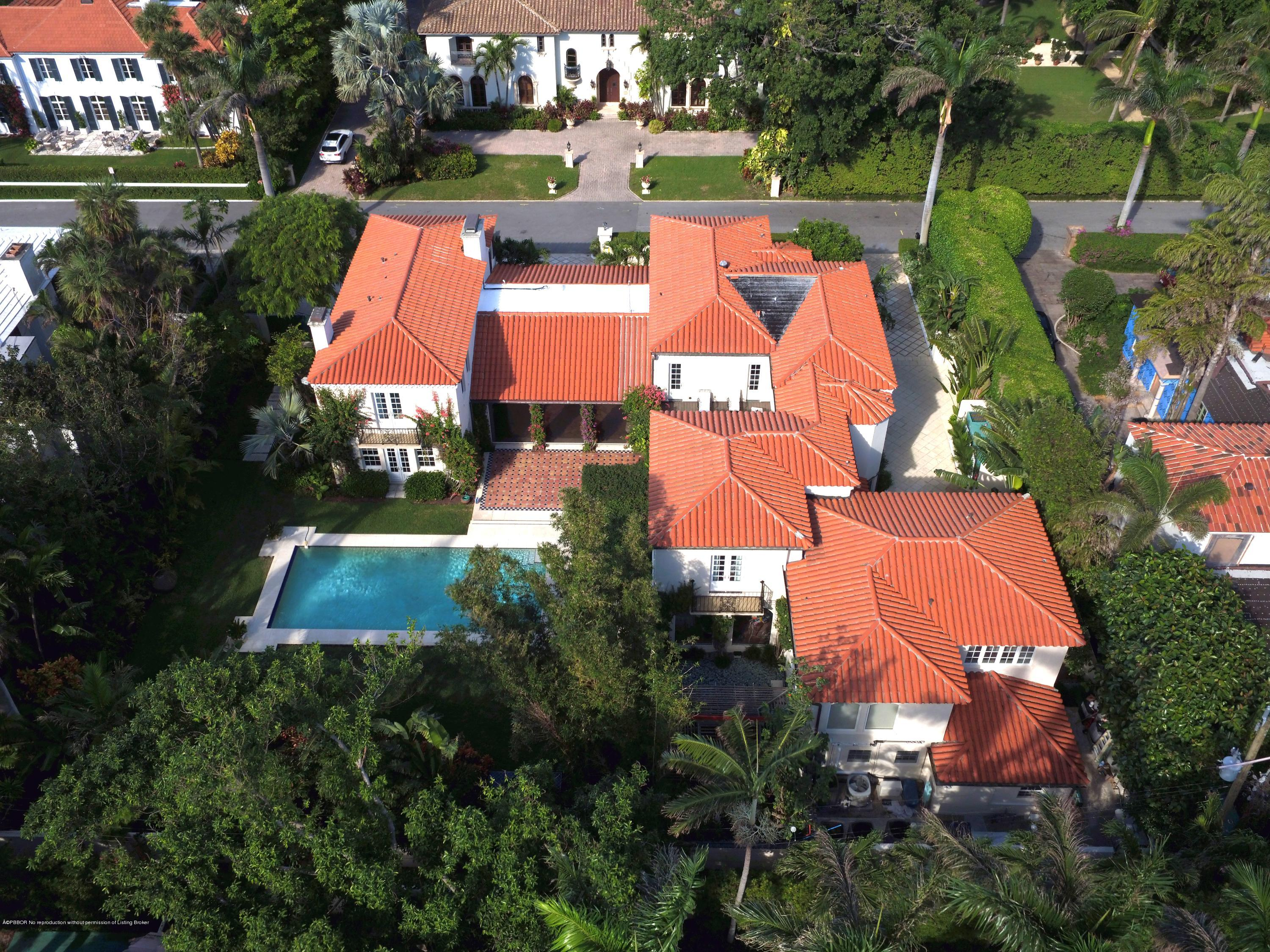 220 Via Bellaria Palm Beach, FL 33480