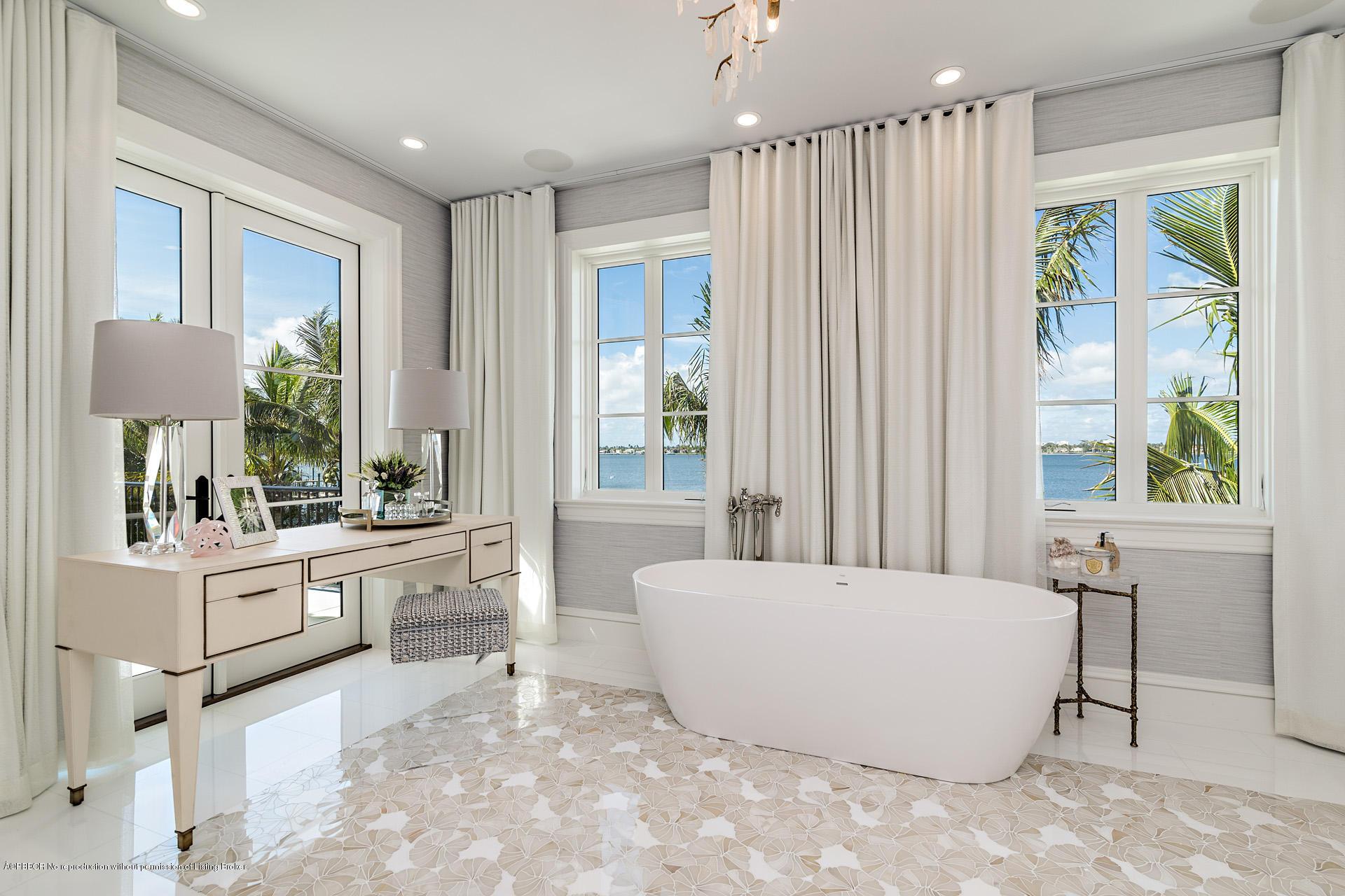 235 Via Vizcaya Palm Beach, FL 33480