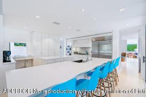 Gas & stainless kitchen