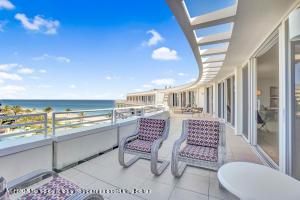 100 Sunrise Avenue, PH10, Palm Beach, FL 33480