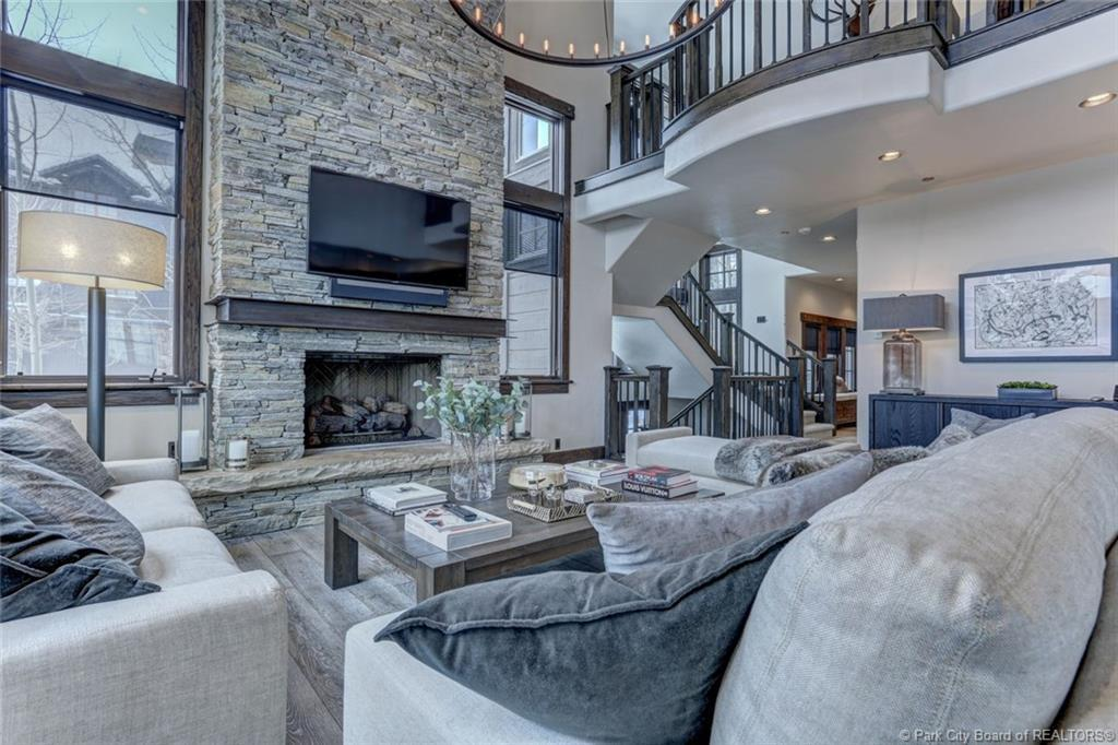 8789 Marsac Avenue, Park City, Utah 84060, 4 Bedrooms Bedrooms, ,5 BathroomsBathrooms,Condominium,For Sale,Marsac,20190109112430415765000000