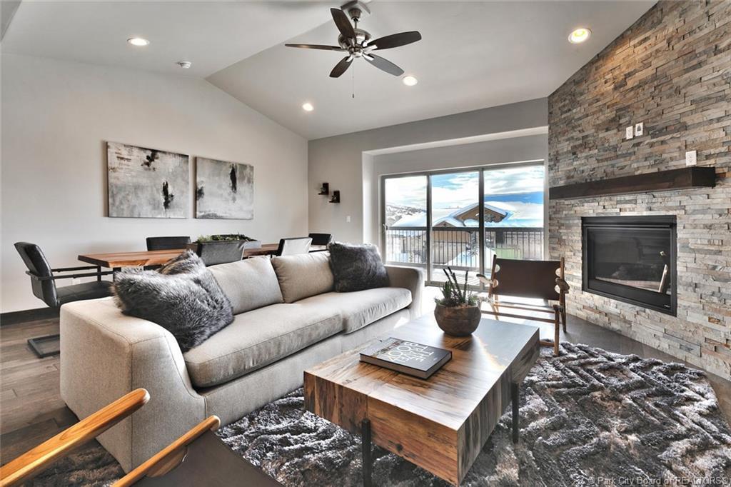 14518 Asher Way, Heber City, Utah 84032, 4 Bedrooms Bedrooms, ,4 BathroomsBathrooms,Condominium,For Sale,Asher Way,20190109112430415765000000