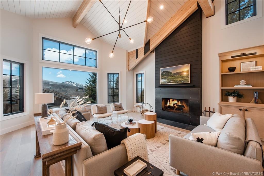 10 Bellemont Court, Park City, Utah 84060, 6 Bedrooms Bedrooms, ,8 BathroomsBathrooms,Single Family,For Sale,Bellemont Court,20190109112430415765000000