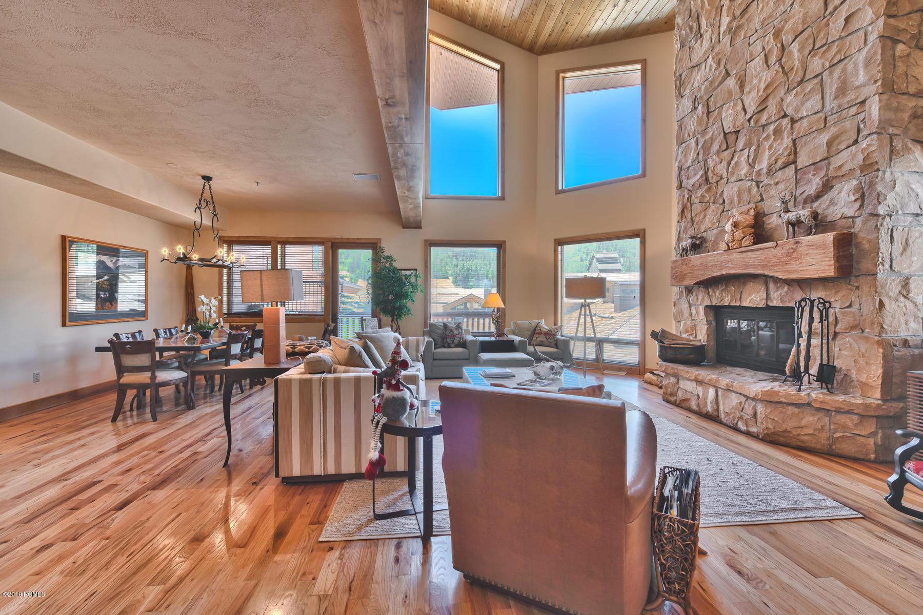 7660 Royal Street, Park City, Utah 84060, 3 Bedrooms Bedrooms, ,4 BathroomsBathrooms,Condominium,For Sale,Royal,20190109112430415765000000