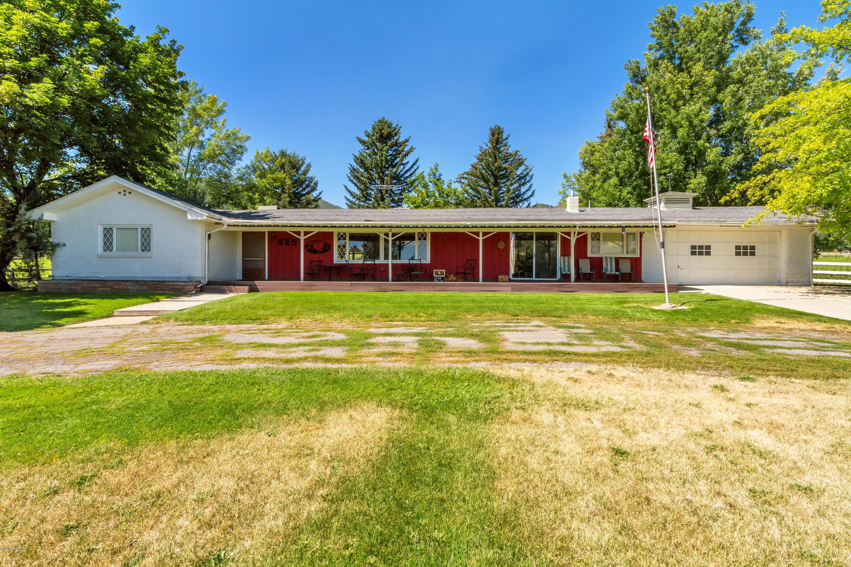 425 Homestead Drive, Midway, Utah 84049, 4 Bedrooms Bedrooms, ,3 BathroomsBathrooms,Single Family,For Sale,Homestead,20190109112430415765000000