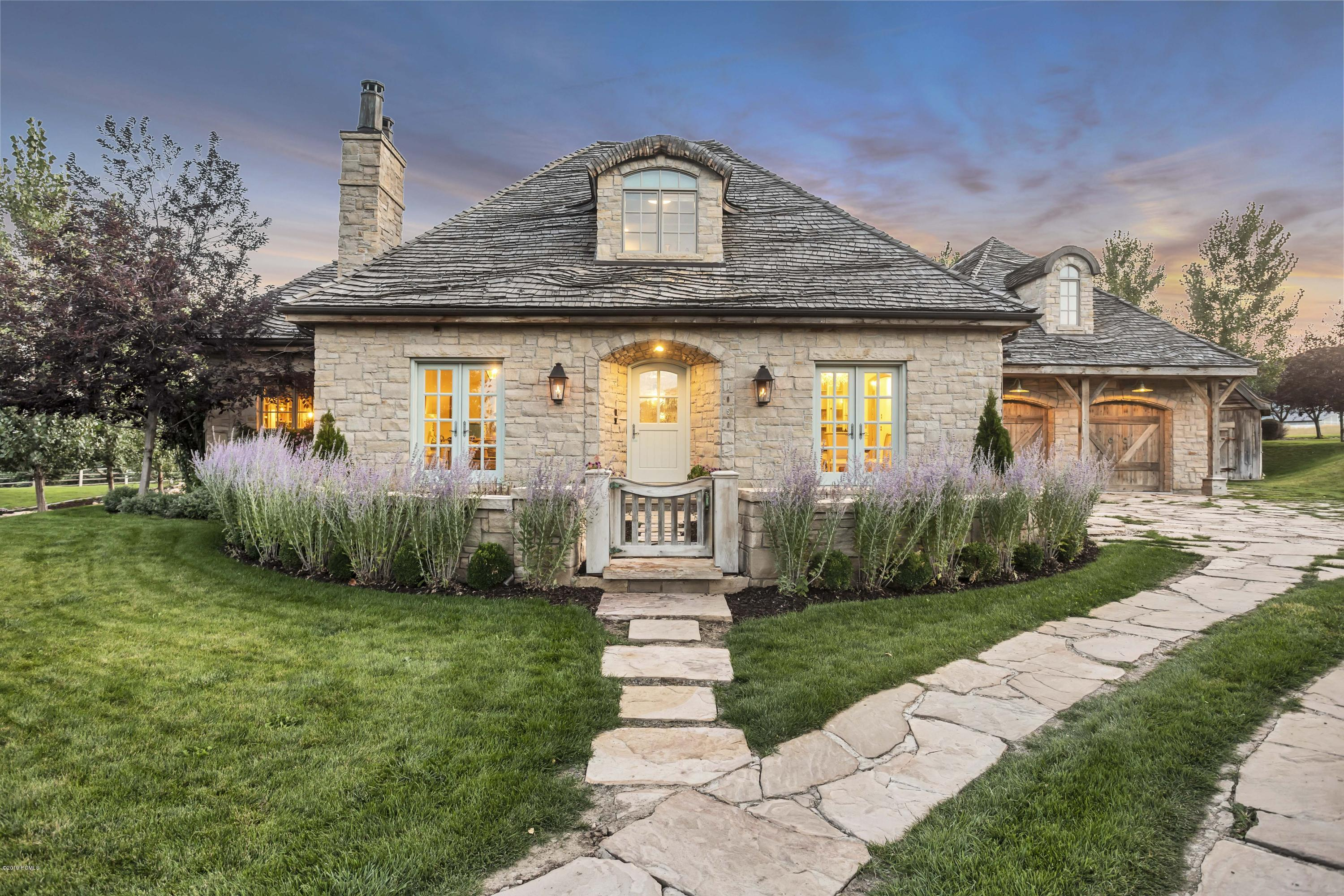 1050 Mont Blanc Court, Midway, Utah 84049, 5 Bedrooms Bedrooms, ,5 BathroomsBathrooms,Single Family,For Sale,Mont Blanc,20190109112430415765000000