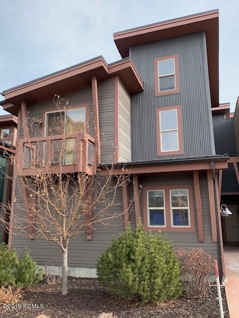 6056 Park Lane, Park City, Utah 84098, 2 Bedrooms Bedrooms, ,3 BathroomsBathrooms,Condominium,For Sale,Park,20190109112430415765000000