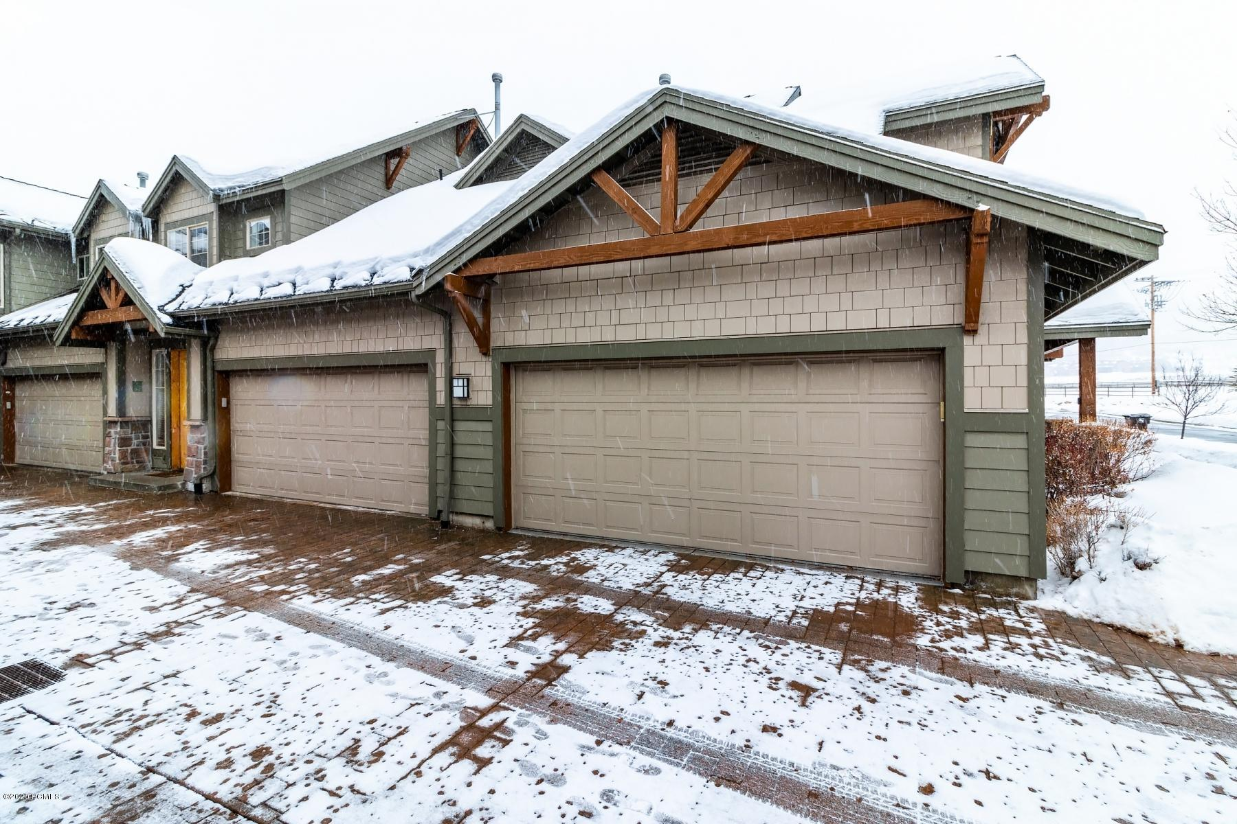 6010 Fox Pointe Circle, Park City, Utah 84098, 2 Bedrooms Bedrooms, ,3 BathroomsBathrooms,Condominium,For Sale,Fox Pointe,20190109112430415765000000