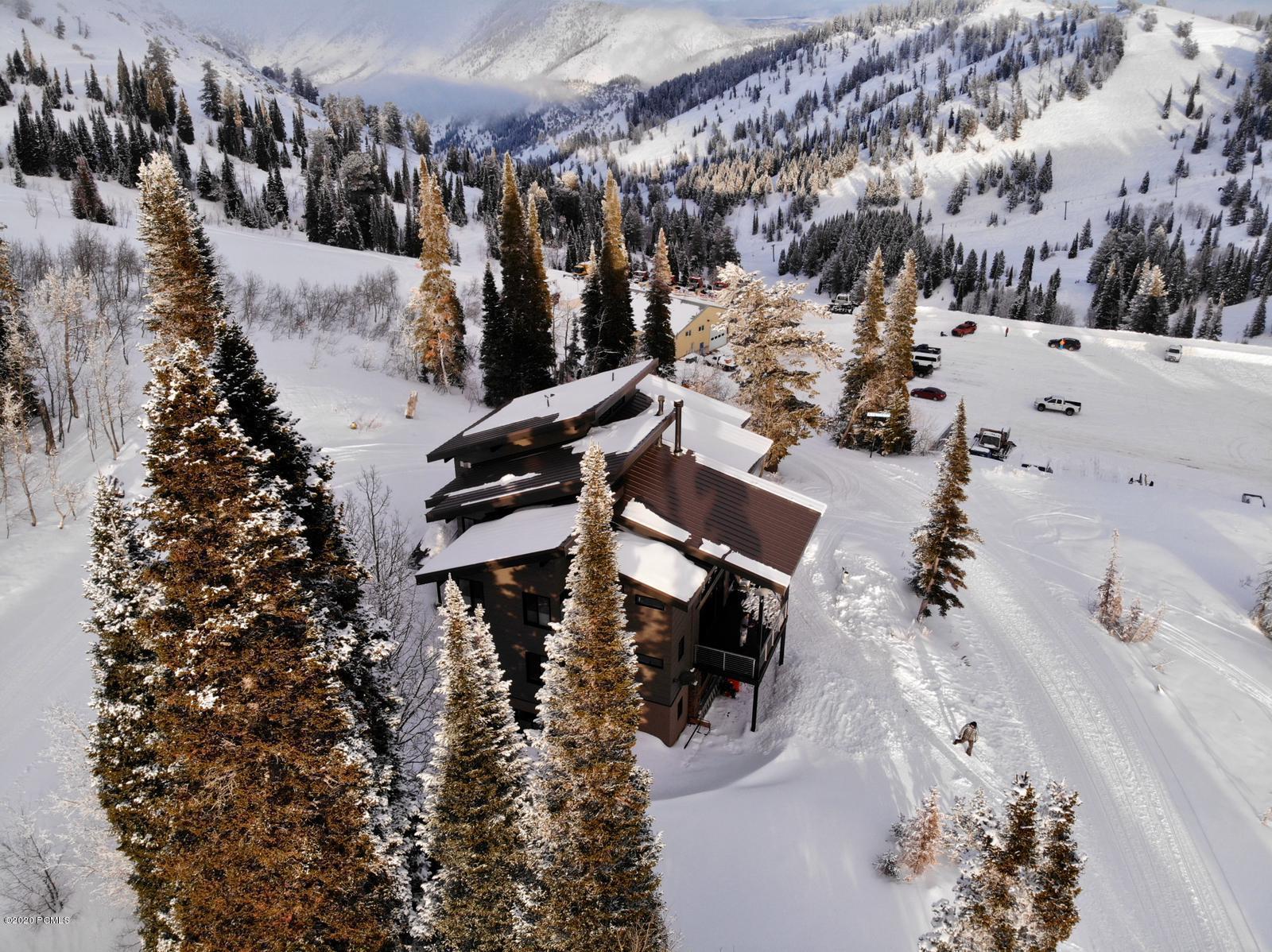 6847 Aspen Drive, Eden, Utah 84310, 6 Bedrooms Bedrooms, ,5 BathroomsBathrooms,Single Family,For Sale,Aspen,20190109112430415765000000
