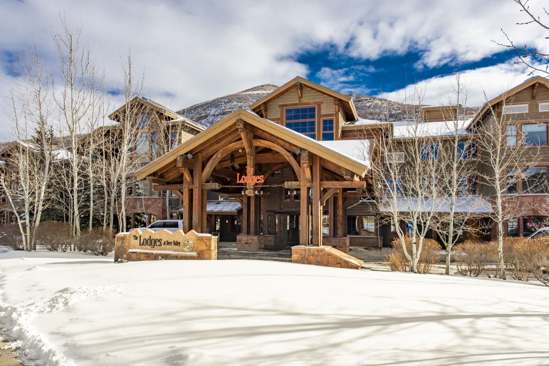 2900 Deer Valley Drive, Park City, Utah 84060, 3 Bedrooms Bedrooms, ,4 BathroomsBathrooms,Condominium,For Sale,Deer Valley,20190109112430415765000000