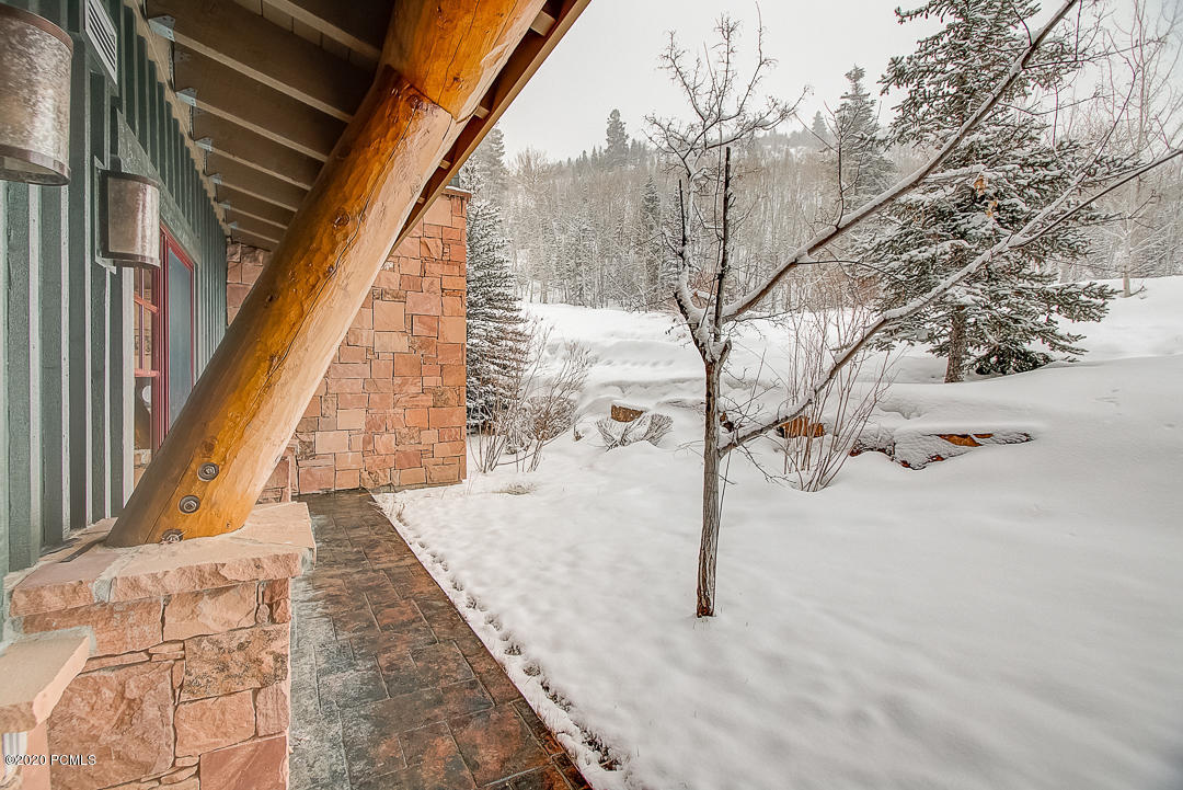 2900 Deer Valley Drive, Park City, Utah 84060, 2 Bedrooms Bedrooms, ,3 BathroomsBathrooms,Condominium,For Sale,Deer Valley,20190109112430415765000000