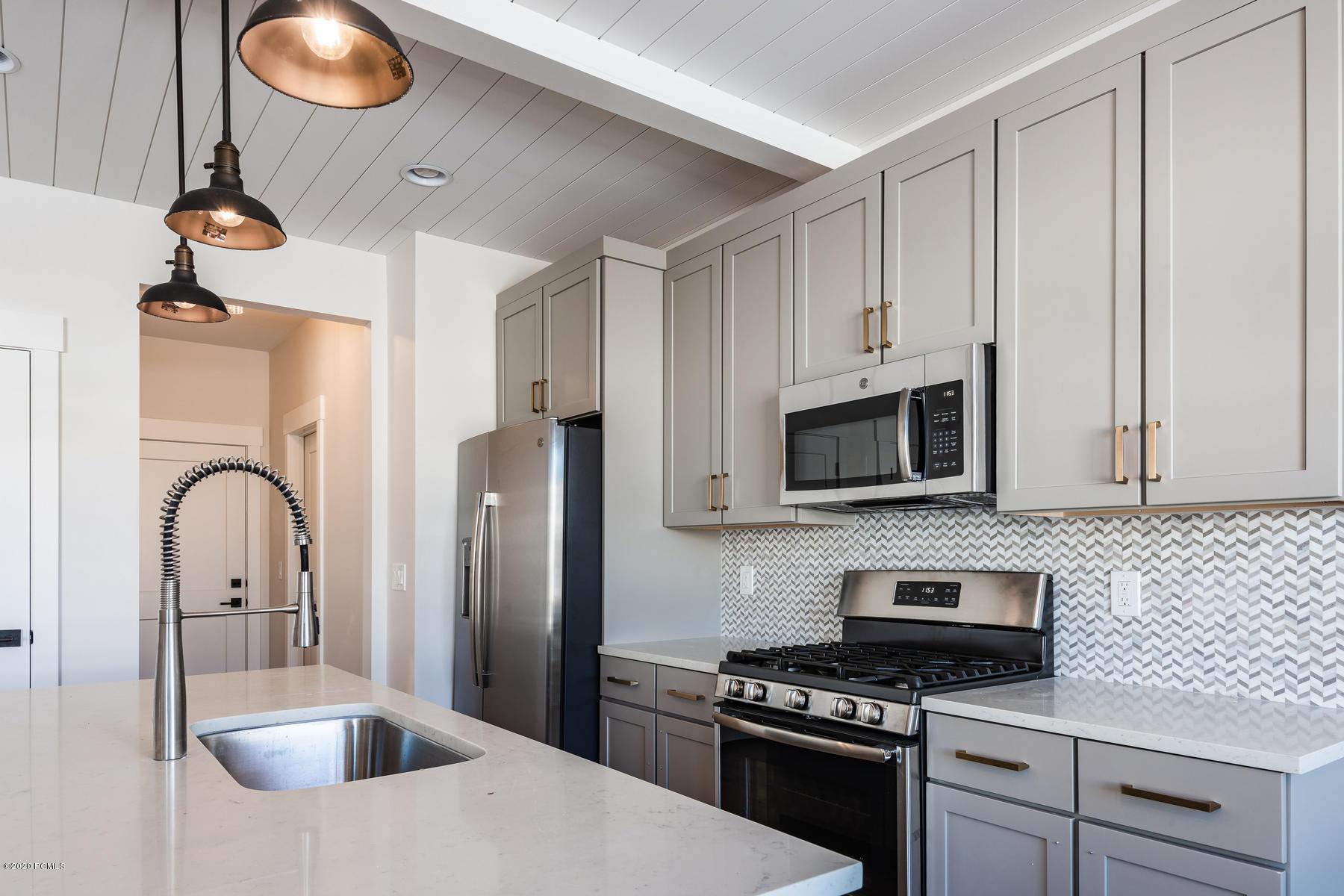 13742 Jordanelle Pkwy #J4, Heber City, Utah 84032, 4 Bedrooms Bedrooms, ,4 BathroomsBathrooms,Condominium,For Sale,Jordanelle Pkwy #J4,20190109112430415765000000