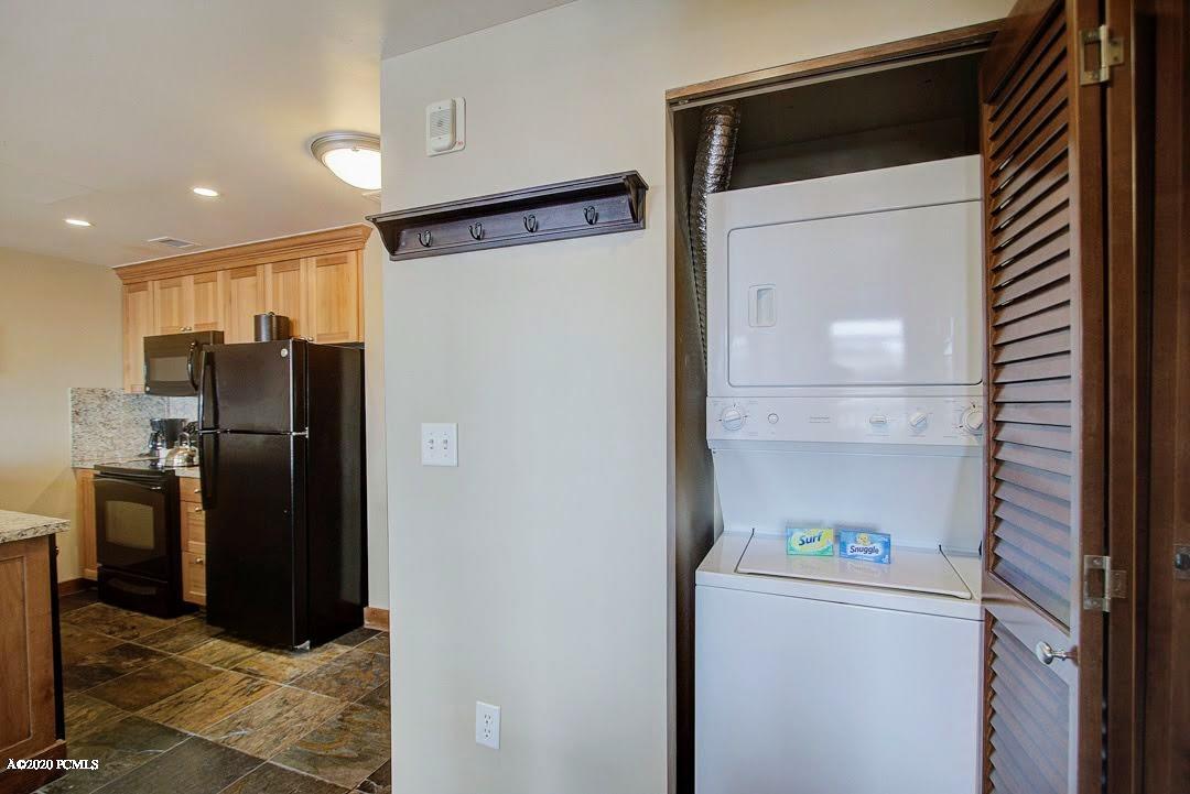 3720 Sundial Court, Park City, Utah 84098, 1 Bedroom Bedrooms, ,1 BathroomBathrooms,Condominium,For Sale,Sundial,12000786