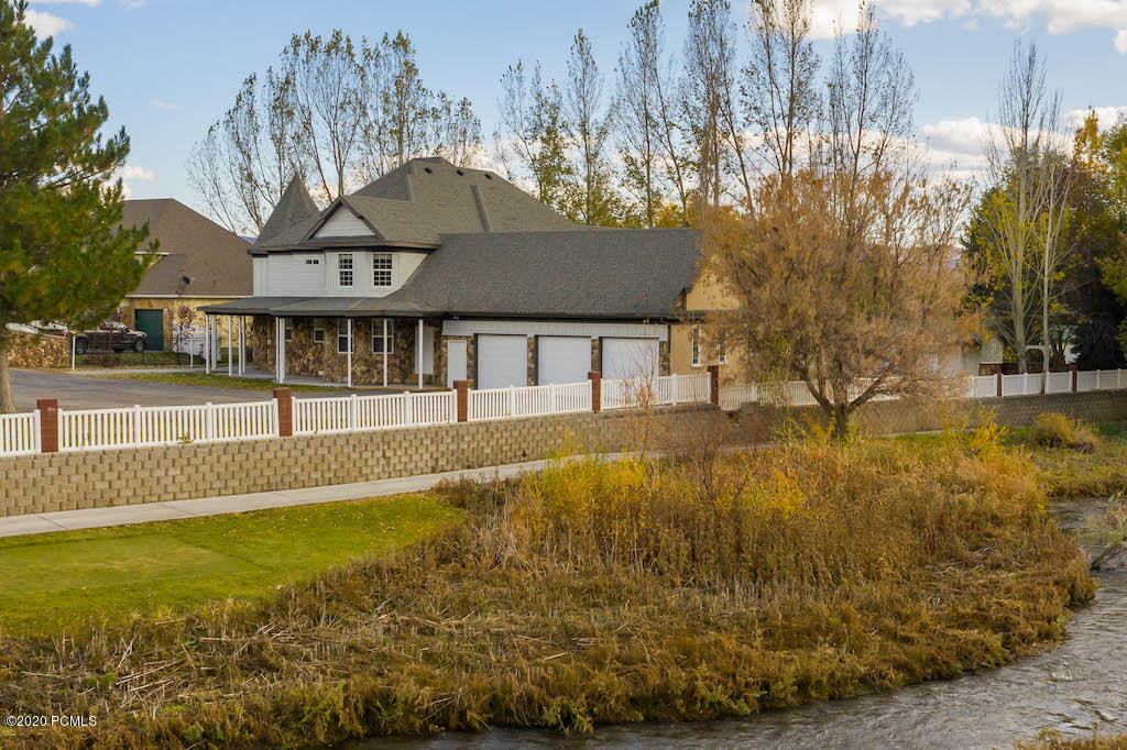 455 Sharon Lane, Midway, Utah 84049, 5 Bedrooms Bedrooms, ,Single Family,For Sale,Sharon,20190109112430415765000000