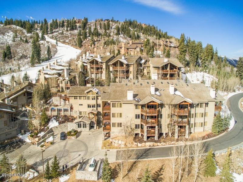2100 Deer Valley Drive, Park City, Utah 84060, 3 Bedrooms Bedrooms, ,4 BathroomsBathrooms,Condominium,For Sale,Deer Valley,20190109112430415765000000