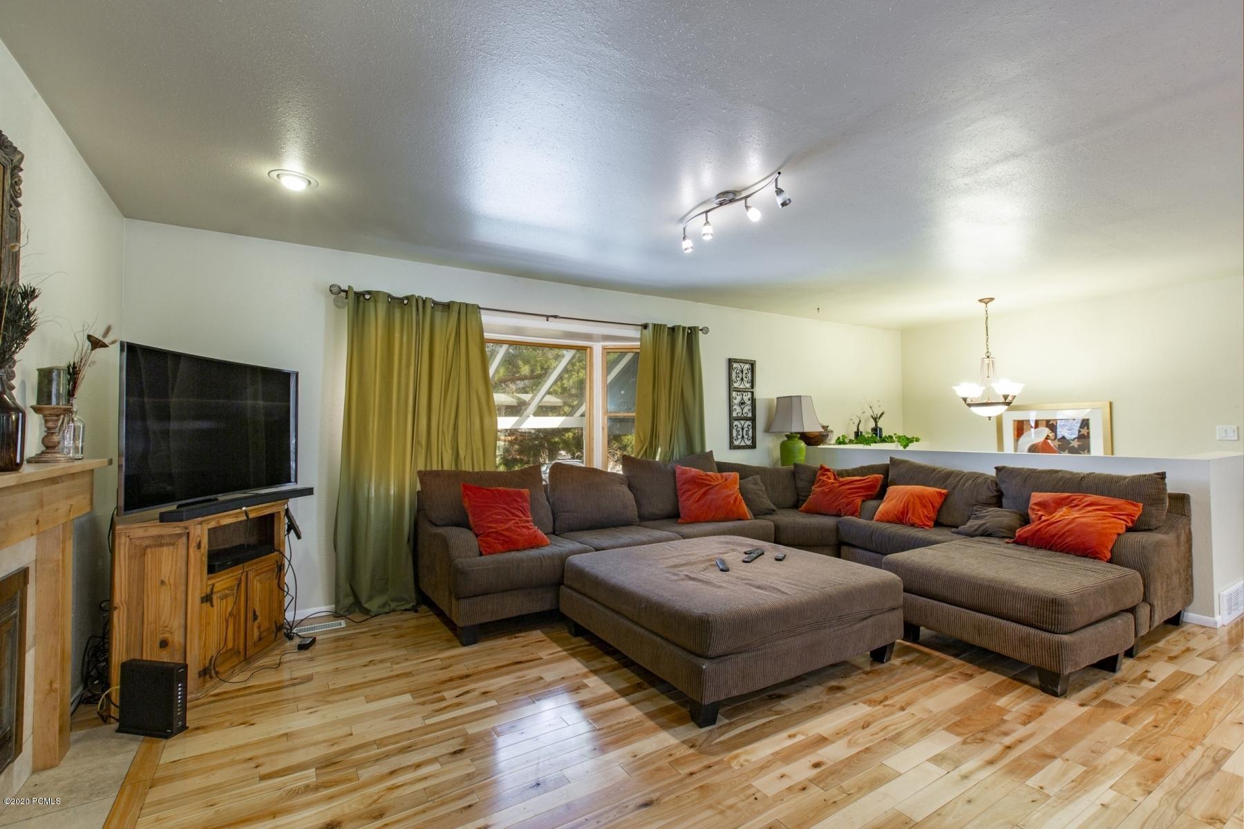 2747 Lucky John Drive, Park City, Utah 84060, 6 Bedrooms Bedrooms, ,4 BathroomsBathrooms,Single Family,For Sale,Lucky John,20190109112430415765000000