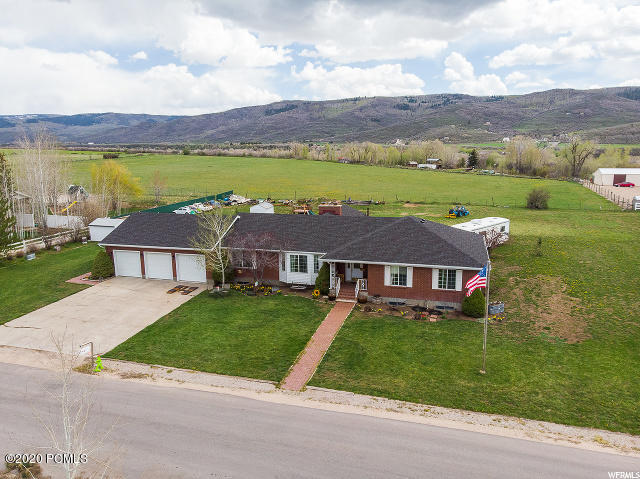 2850 Highland Loop Circle, Kamas, Utah 84036, 5 Bedrooms Bedrooms, ,3 BathroomsBathrooms,Single Family,For Sale,Highland Loop,20190109112430415765000000