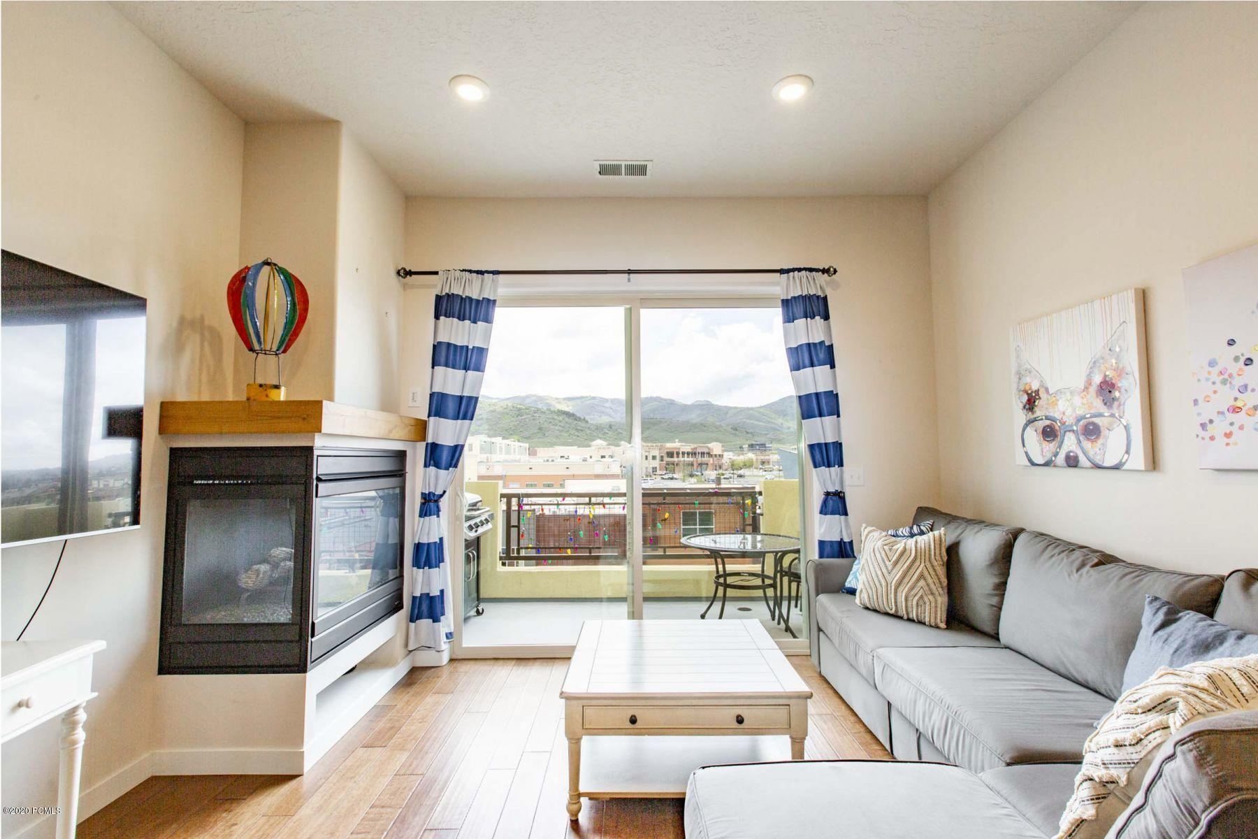 6169 Park Lane, Park City, Utah 84098, 2 Bedrooms Bedrooms, ,2 BathroomsBathrooms,Condominium,For Sale,Park Lane,20190109112430415765000000