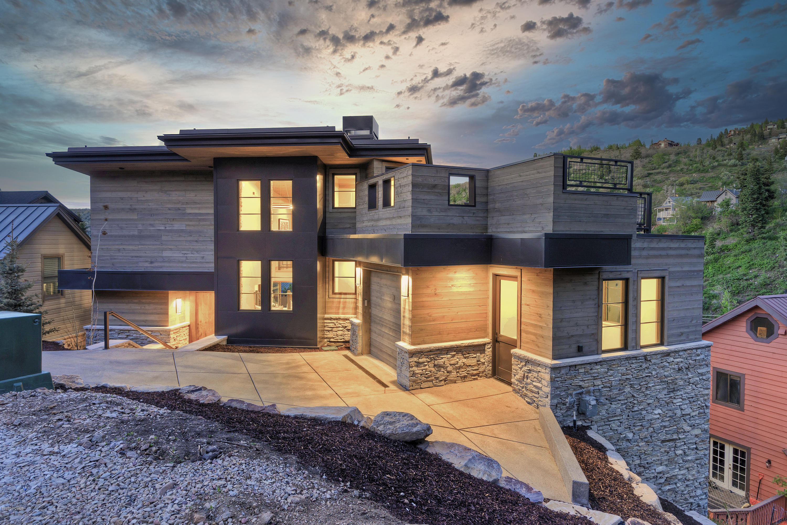 49 King Drive, Park City, Utah 84060, 4 Bedrooms Bedrooms, ,6 BathroomsBathrooms,Single Family,For Sale,King,20190109112430415765000000