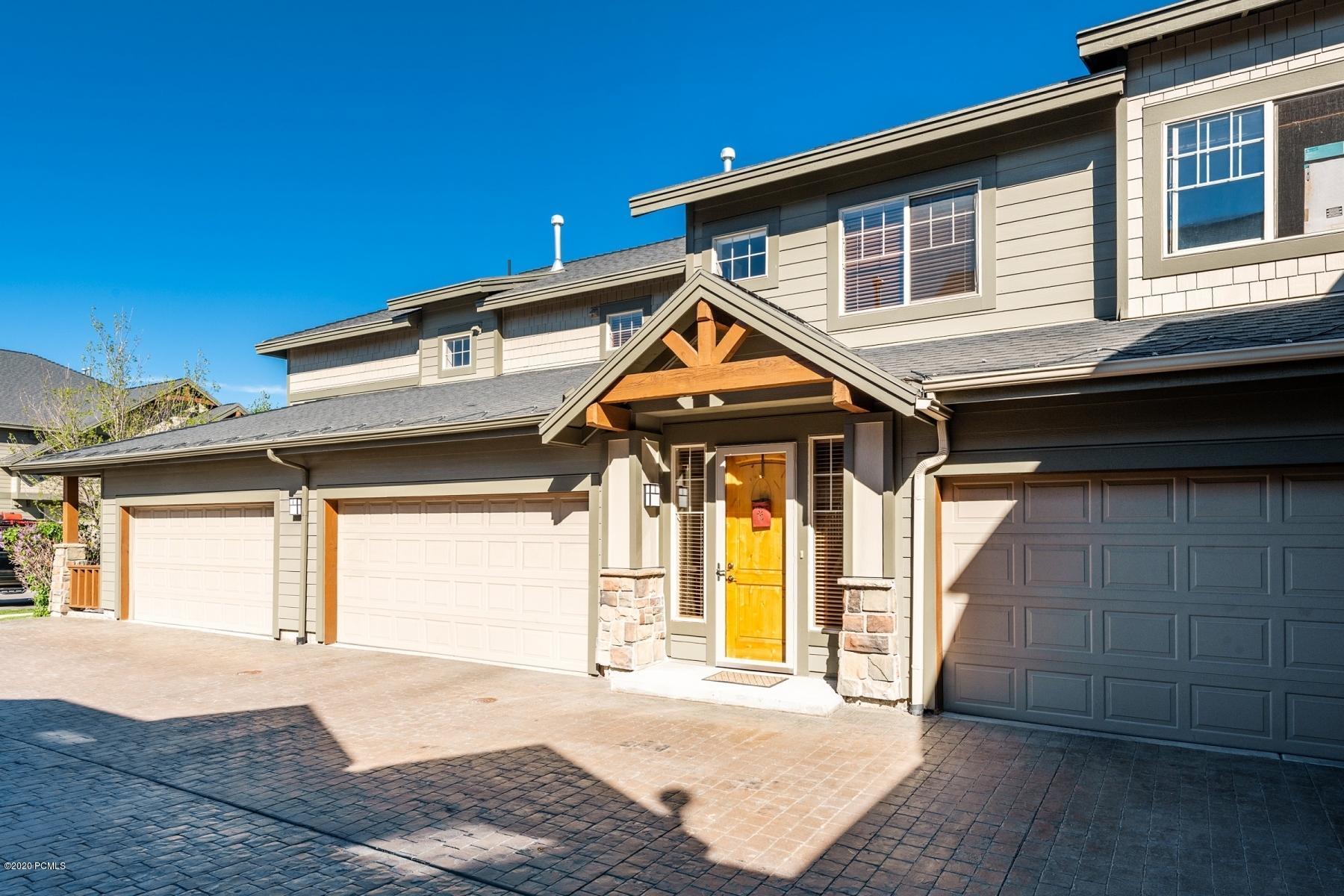 1695 Redstone Avenue, Park City, Utah 84098, 2 Bedrooms Bedrooms, ,3 BathroomsBathrooms,Condominium,For Sale,Redstone,20190109112430415765000000