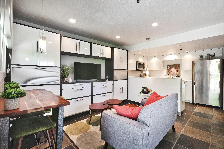 3285 Lower Saddleback Road, Park City, Utah 84098, 1 Bedroom Bedrooms, ,1 BathroomBathrooms,Condominium,For Sale,Lower Saddleback,12001690