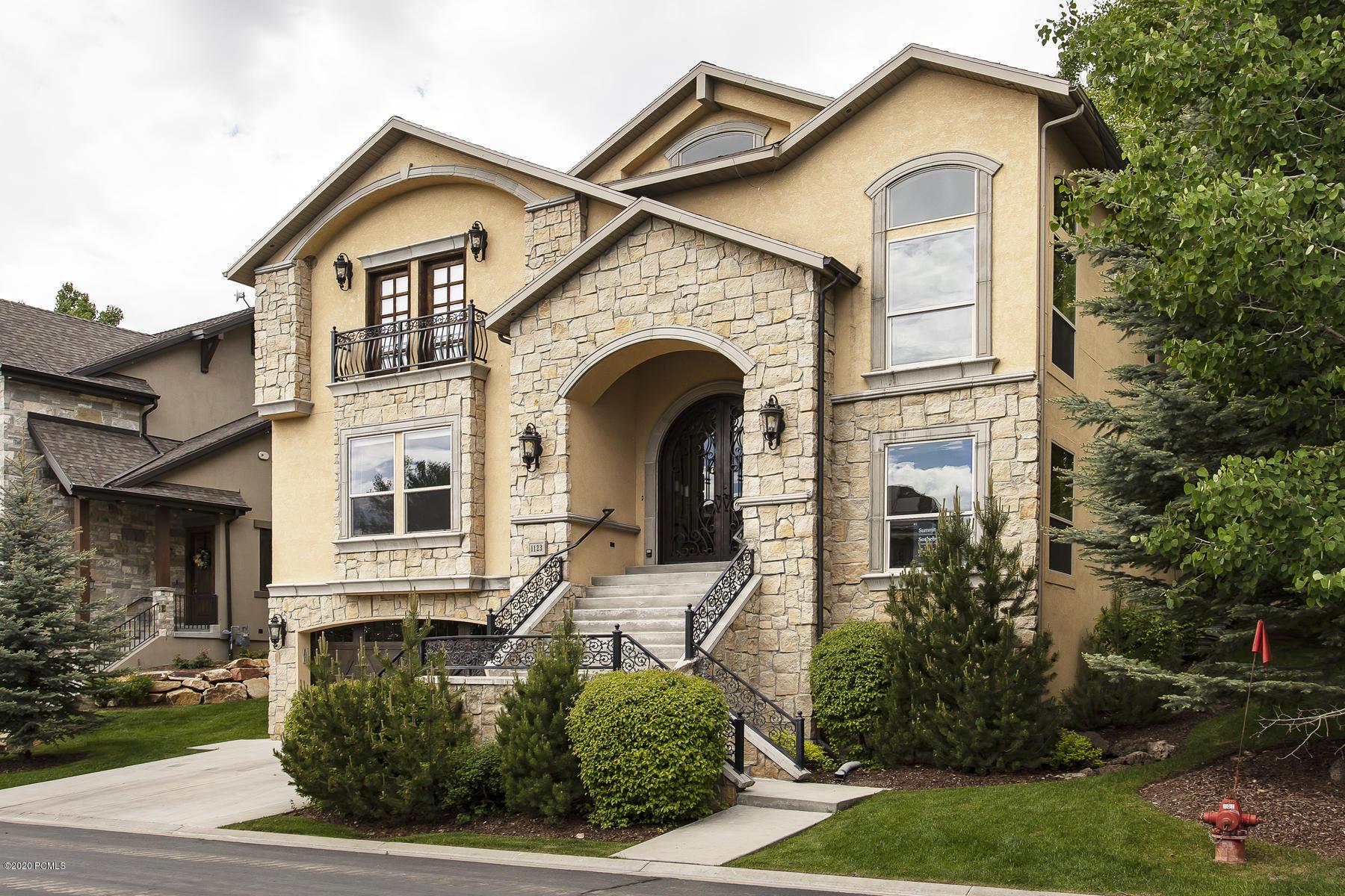 1123 Warm Springs Road, Midway, Utah 84049, 5 Bedrooms Bedrooms, ,5 BathroomsBathrooms,Single Family,For Sale,Warm Springs,20190109112430415765000000