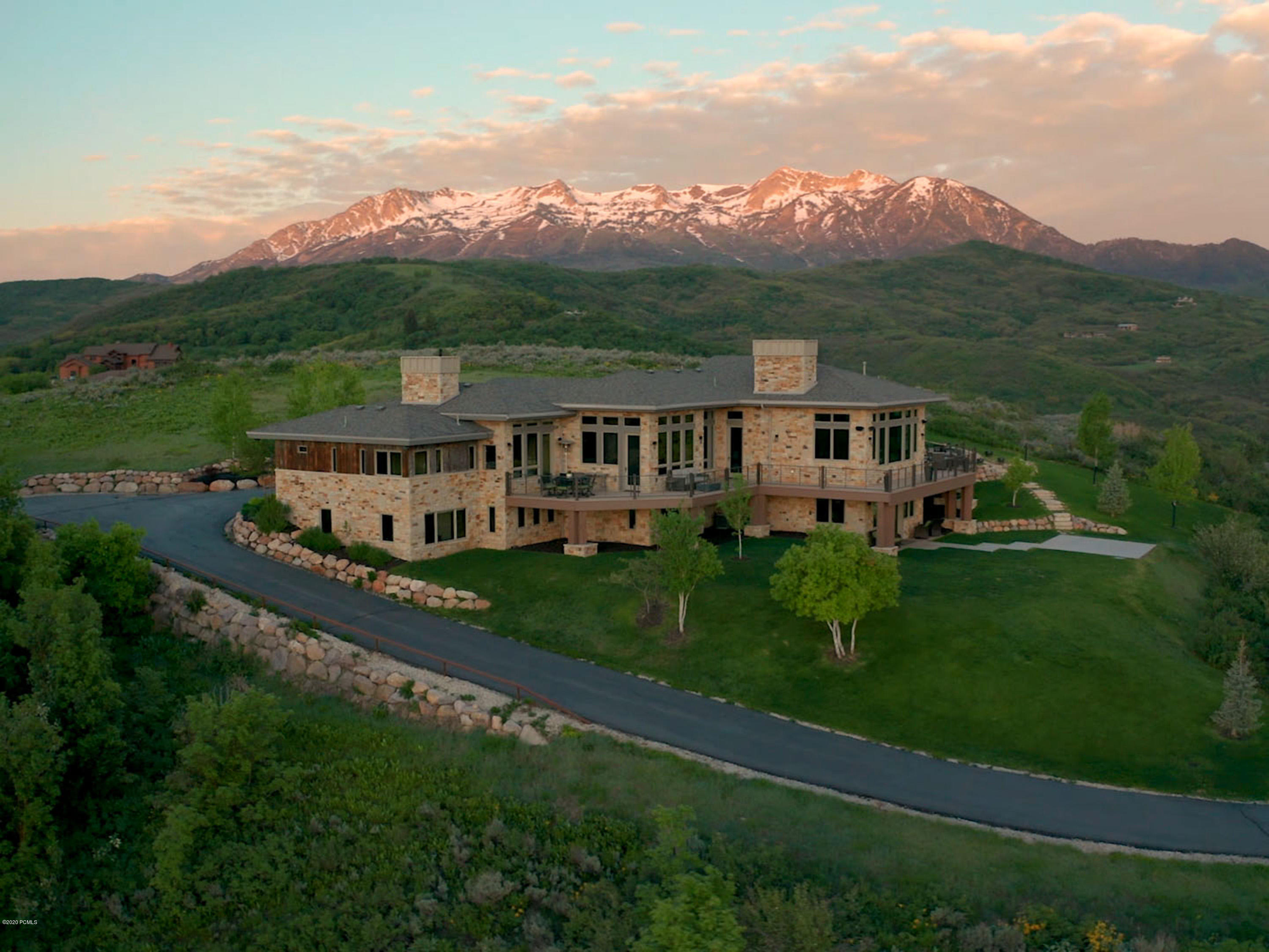 6689 Chaparral Road, Huntsville, Utah 84317, 5 Bedrooms Bedrooms, ,7 BathroomsBathrooms,Single Family,For Sale,Chaparral,20190109112430415765000000