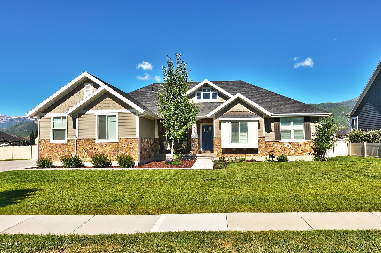 390 Silver Fox Road, Midway, Utah 84049, 5 Bedrooms Bedrooms, ,5 BathroomsBathrooms,Single Family,For Sale,Silver Fox,20190109112430415765000000