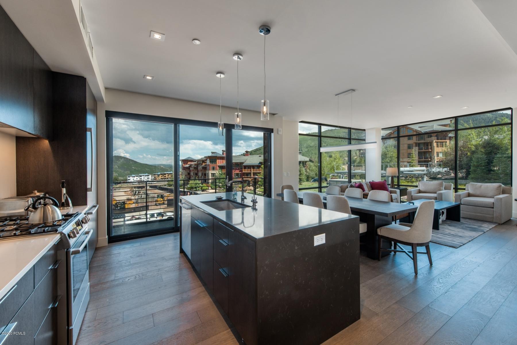 2431 High Mountain Road, Park City, Utah 84098, 3 Bedrooms Bedrooms, ,4 BathroomsBathrooms,Condominium,For Sale,High Mountain,20190109112430415765000000