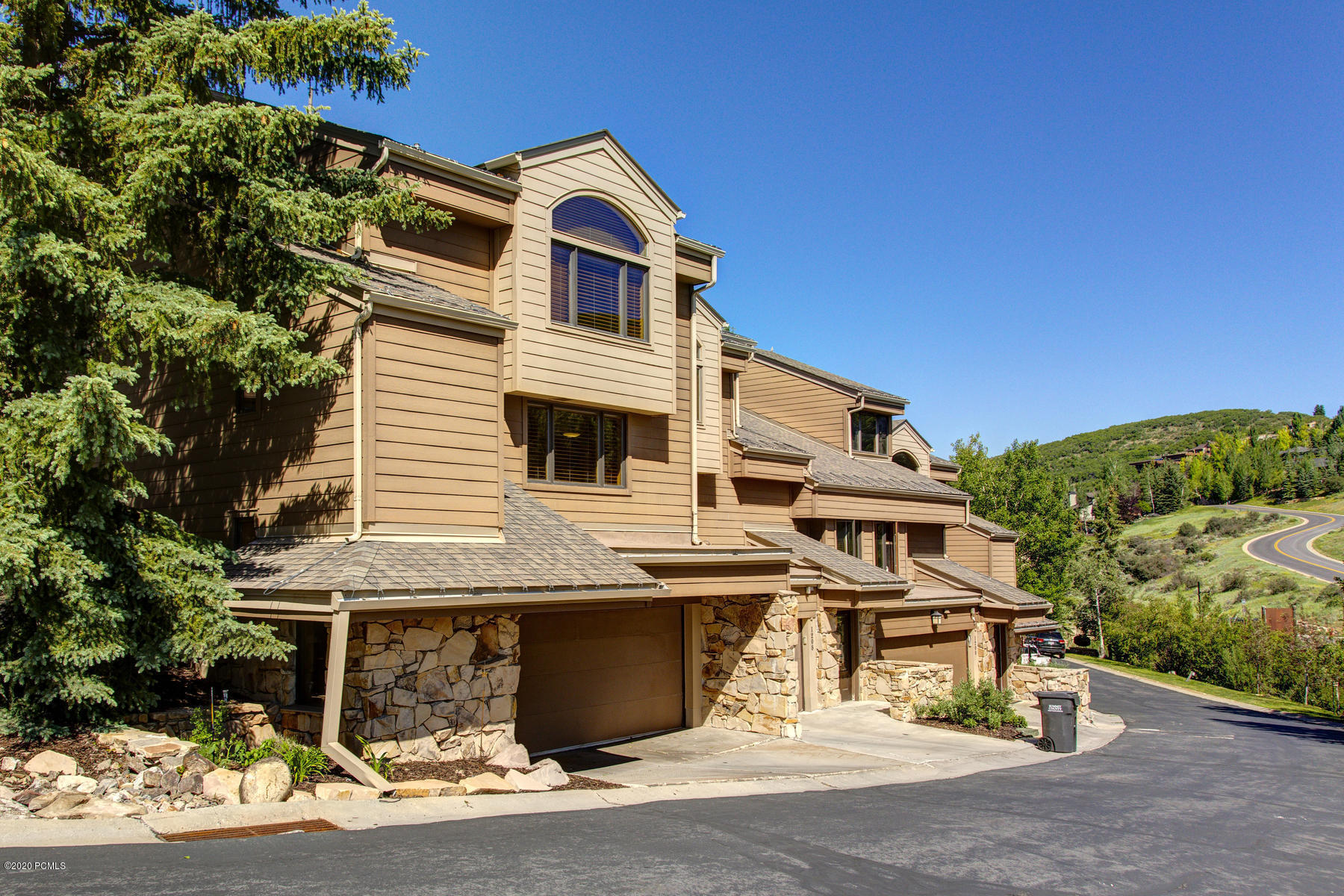 1216 Stonebridge Circle, Park City, Utah 84060, 3 Bedrooms Bedrooms, ,3 BathroomsBathrooms,Condominium,For Sale,Stonebridge,20190109112430415765000000