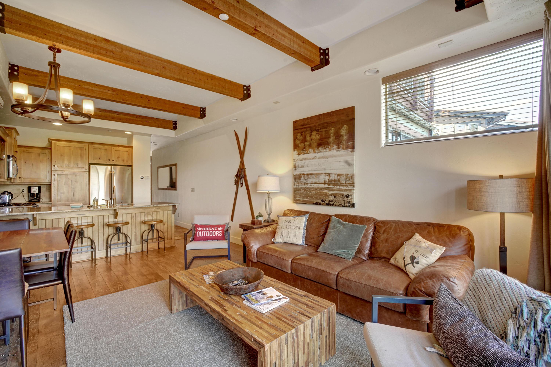 6296 Park Lane, Park City, Utah 84098, 2 Bedrooms Bedrooms, ,3 BathroomsBathrooms,Condominium,For Sale,Park,20190109112430415765000000
