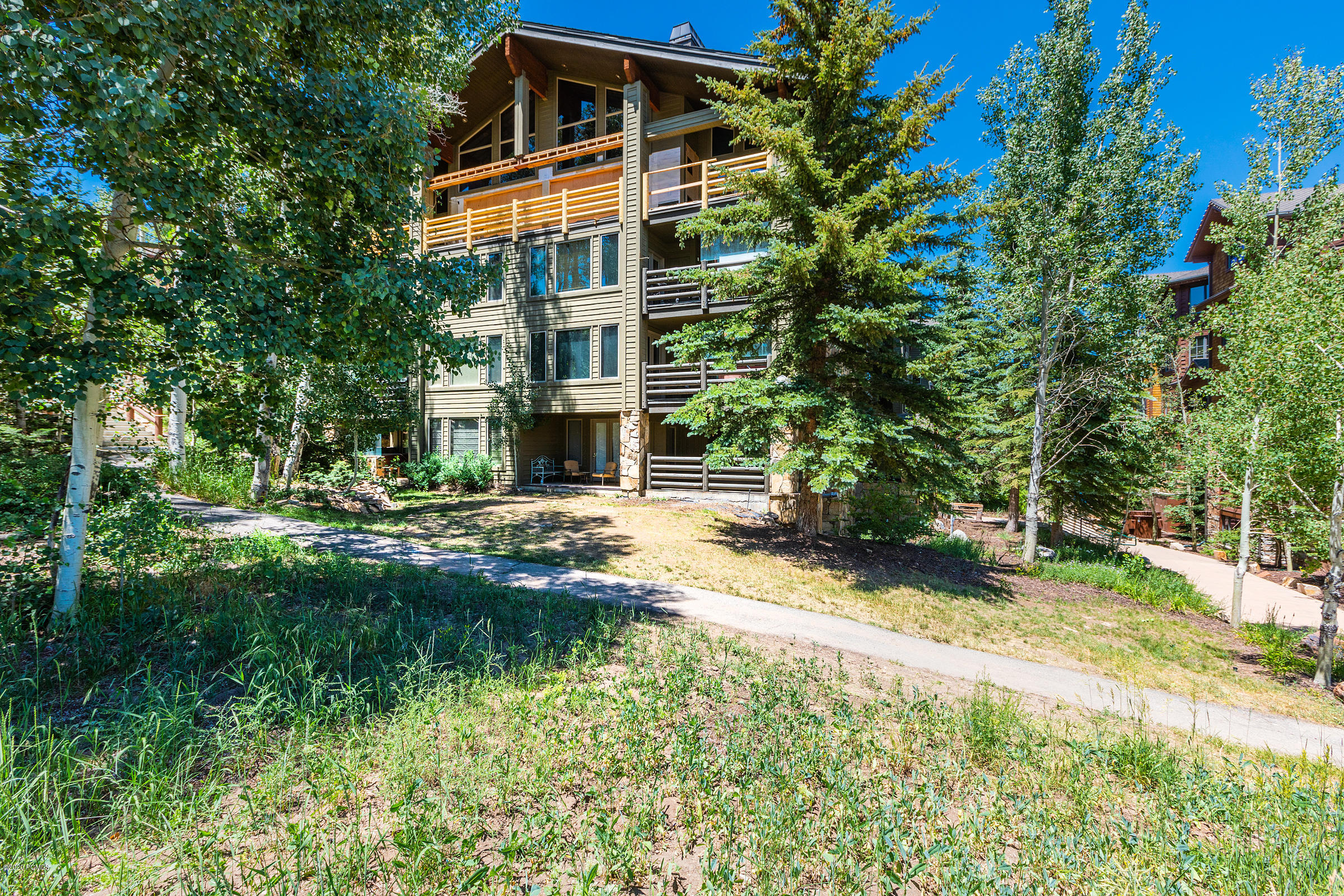 7550 Royal Street, Park City, Utah 84060, 2 Bedrooms Bedrooms, ,3 BathroomsBathrooms,Condominium,For Sale,Royal,12000034