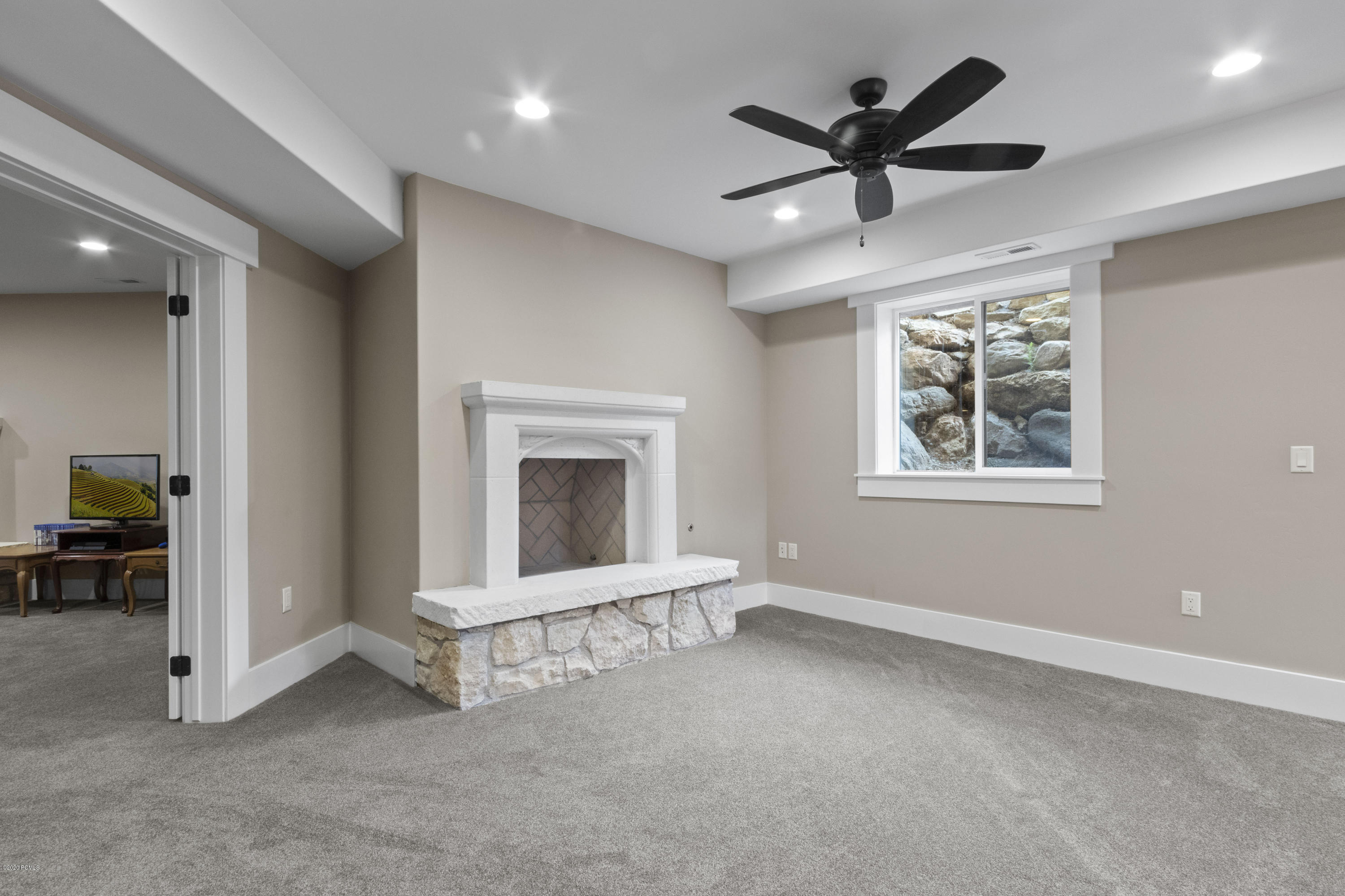 955 Coldwater Way, Midway, Utah 84049, 5 Bedrooms Bedrooms, ,5 BathroomsBathrooms,Single Family,For Sale,Coldwater,11907560