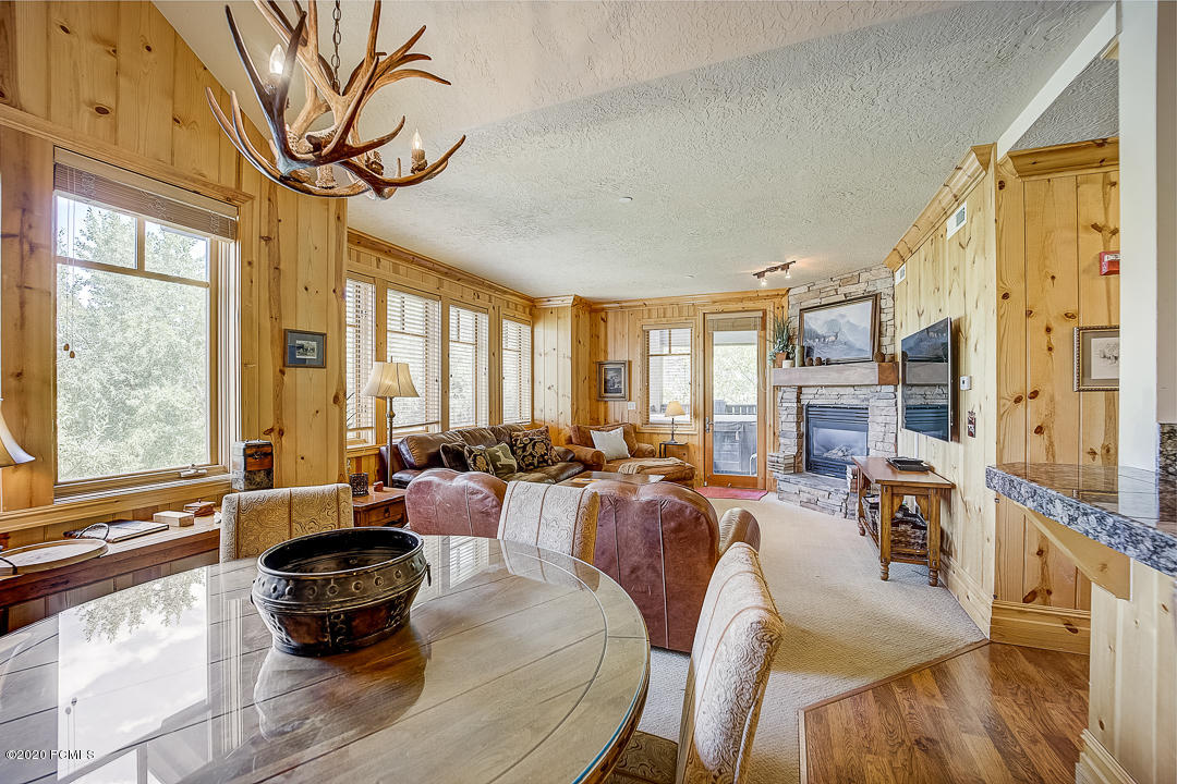 2550 Deer Valley Drive, Park City, Utah 84060, 3 Bedrooms Bedrooms, ,4 BathroomsBathrooms,Condominium,For Sale,Deer Valley,12002855