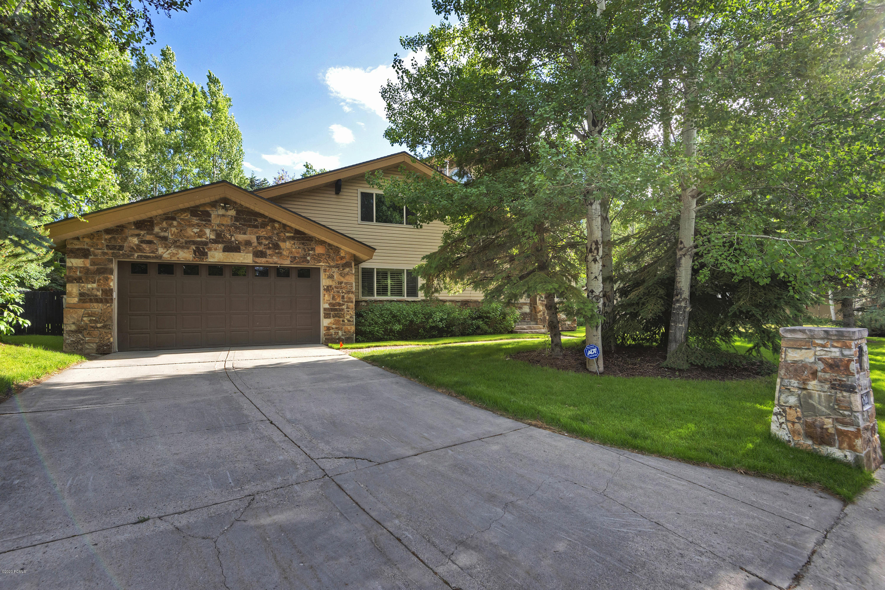 2622 Little Kate Road, Park City, Utah 84060, 4 Bedrooms Bedrooms, ,3 BathroomsBathrooms,Single Family,For Sale,Little Kate,12003462