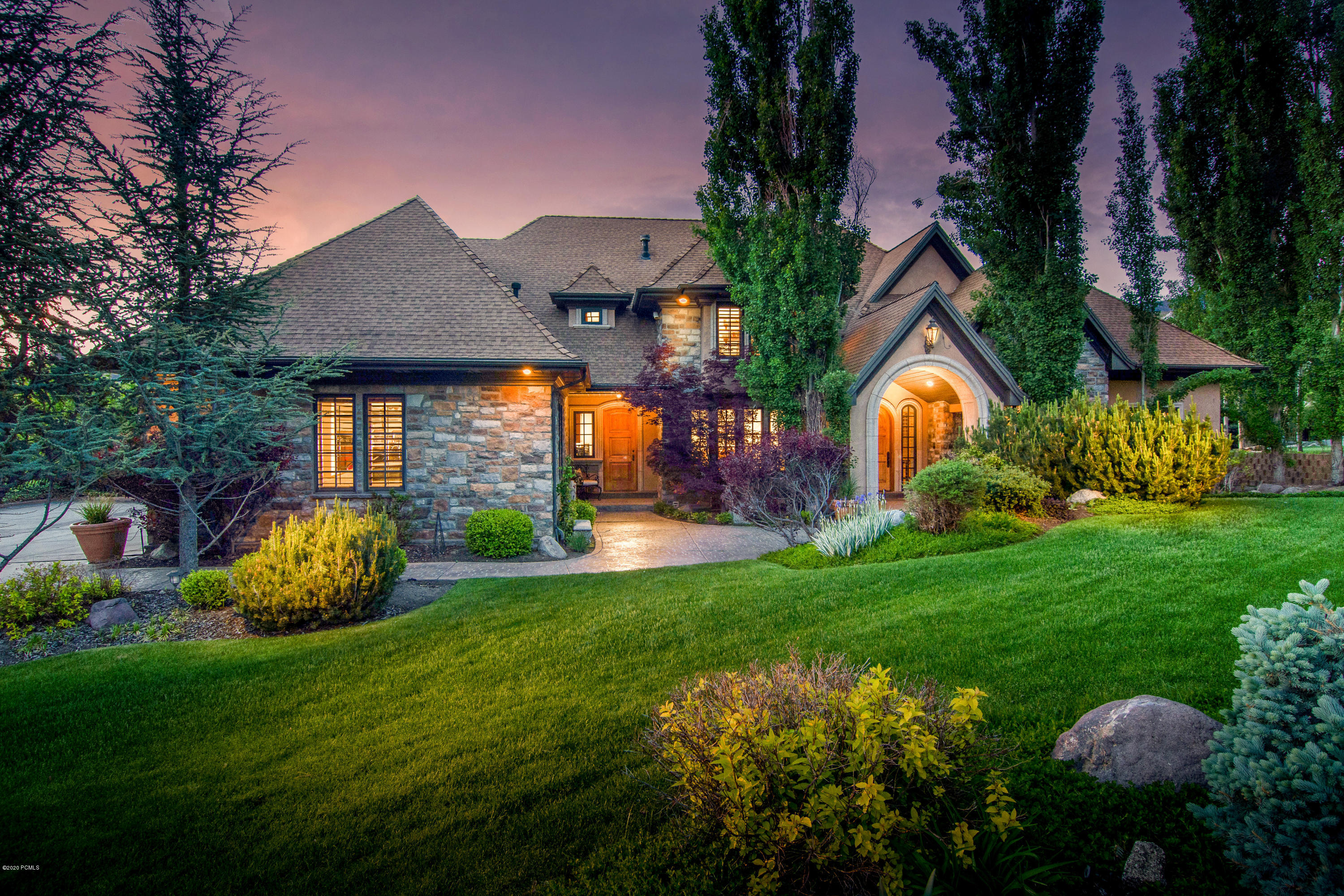 89 Lone Hollow Drive, Sandy, Utah 84092, 8 Bedrooms Bedrooms, ,7 BathroomsBathrooms,Single Family,For Sale,Lone Hollow,12003467