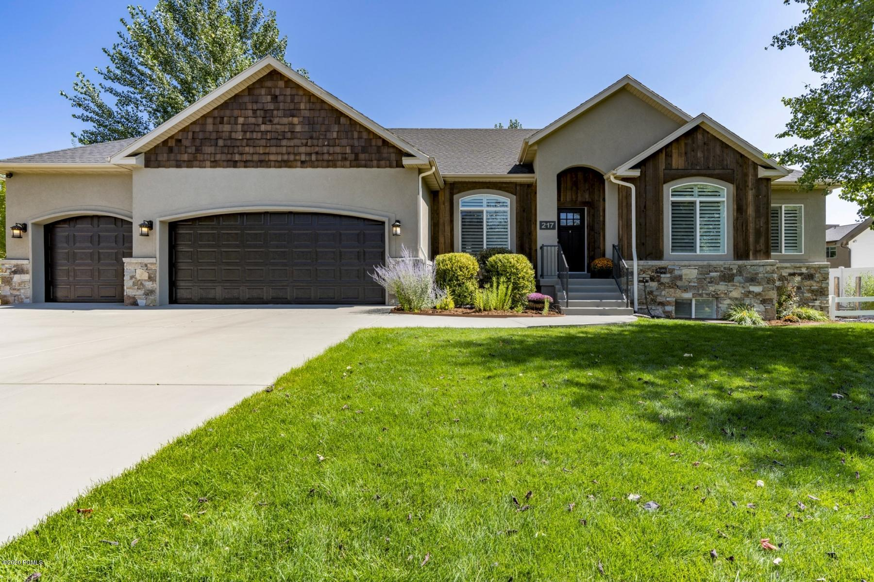 217 550 E, Midway, Utah 84049, 4 Bedrooms Bedrooms, ,3 BathroomsBathrooms,Single Family,For Sale,550 E,12003285