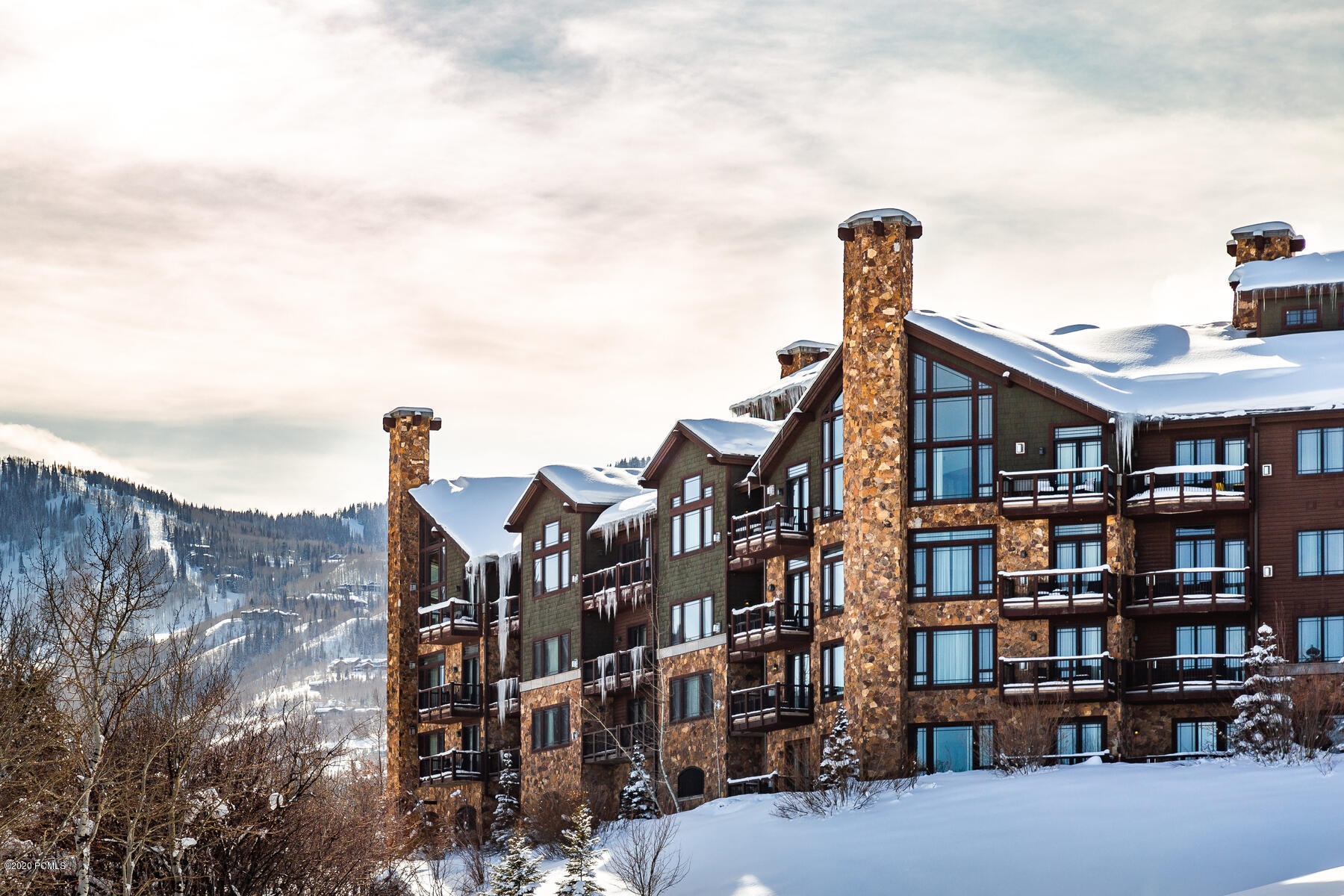 2100 Frostwood Boulevard, Park City, Utah 84098, 2 Bedrooms Bedrooms, ,3 BathroomsBathrooms,Condominium,For Sale,Frostwood,12003633