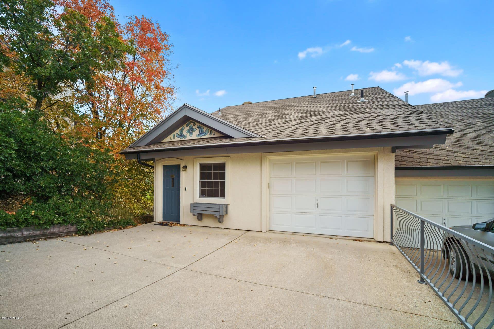 884 Schneitter Circle, Midway, Utah 84049, 3 Bedrooms Bedrooms, ,3 BathroomsBathrooms,Condominium,For Sale,Schneitter,12003703