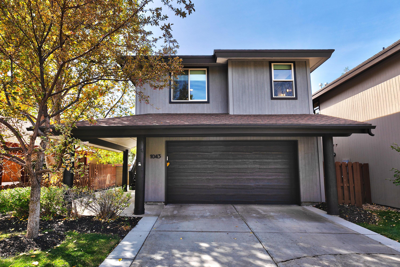 1043 Station Loop Road, Park City, Utah 84098, 2 Bedrooms Bedrooms, ,3 BathroomsBathrooms,Single Family,For Sale,Station Loop,12003732