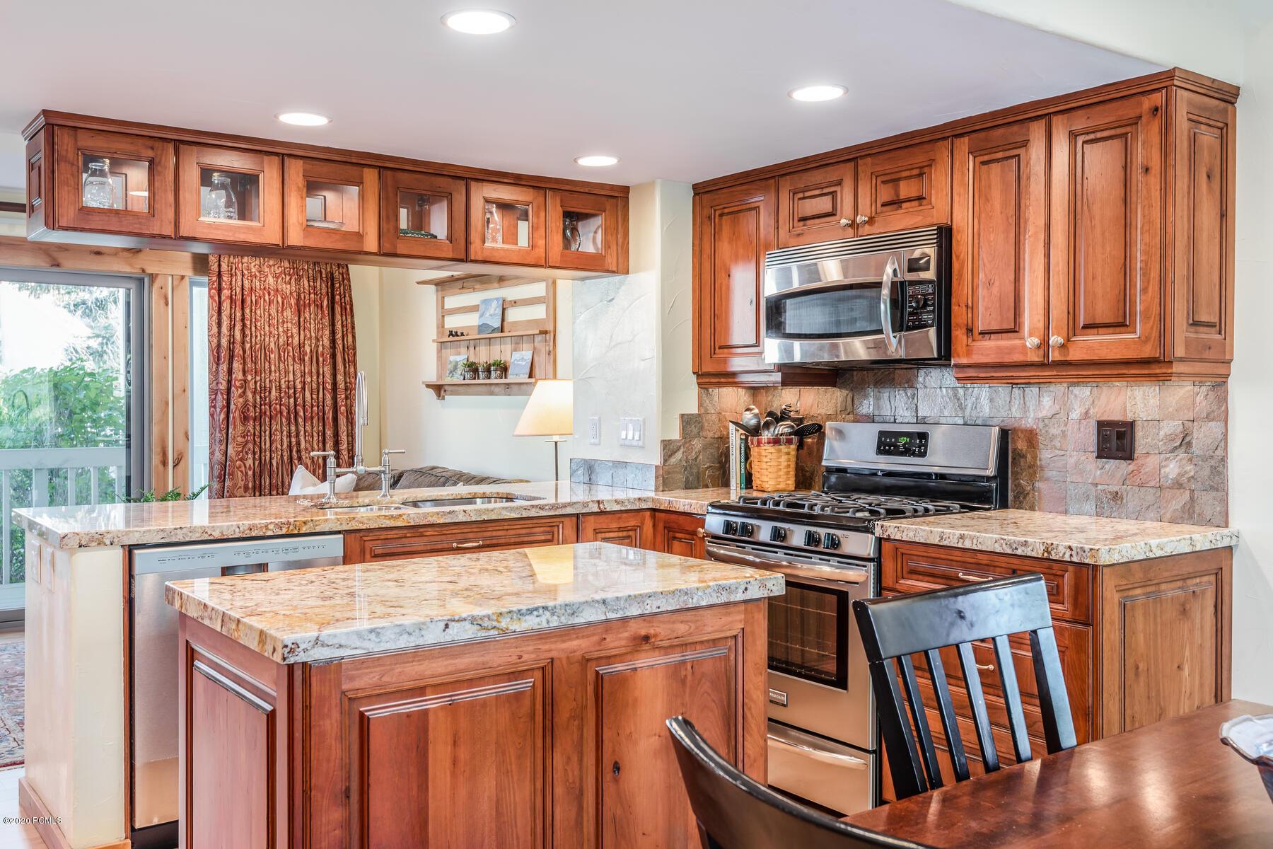38 Racquet Club Drive, Park City, Utah 84060, 2 Bedrooms Bedrooms, ,3 BathroomsBathrooms,Condominium,For Sale,Racquet Club,12003773