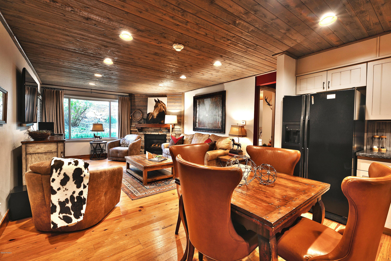 401 Silver King Drive, Park City, Utah 84060, 2 Bedrooms Bedrooms, ,2 BathroomsBathrooms,Condominium,For Sale,Silver King,12003344